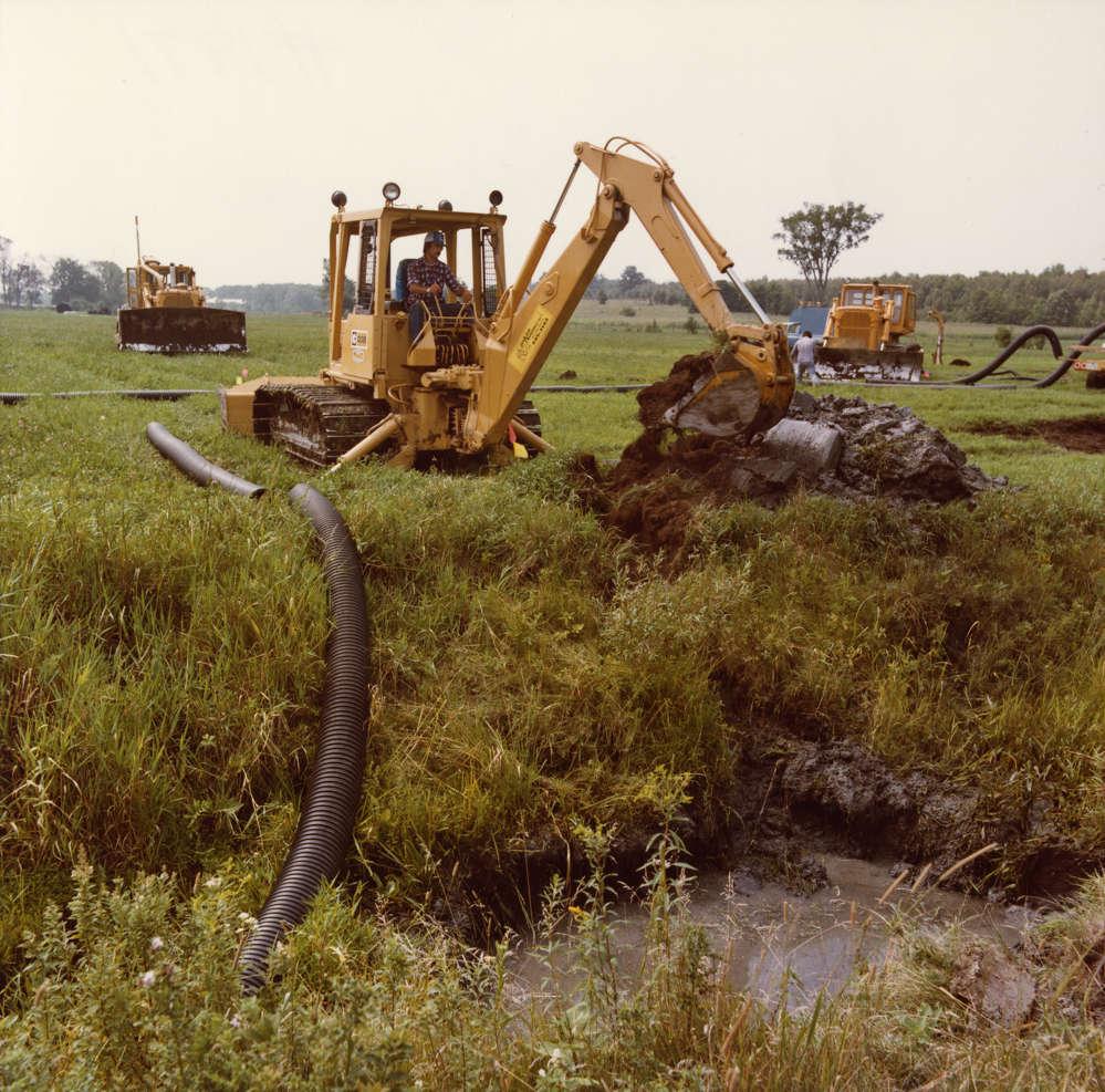 Caterpillar photo. The Cat diesel D3 TTT works on a construction site in 1980.