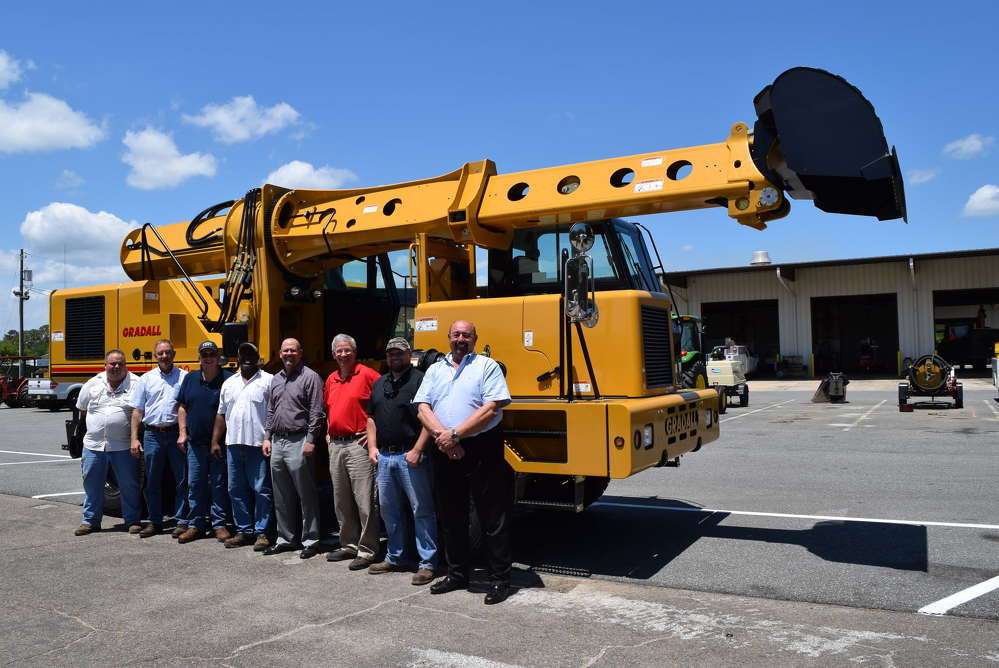 Great Southern Construction Equipment Co. delivers a new Gradall to the city of Tallahassee.