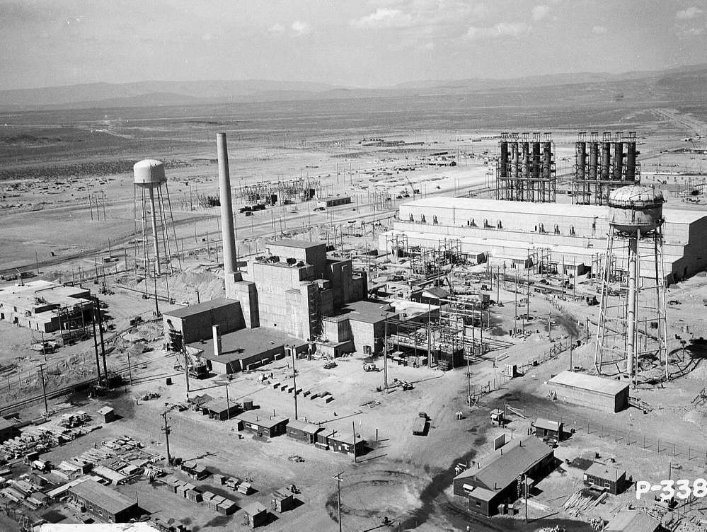 atomic bomb manhattan project The costs of the manhattan project the average cost per atomic device/bomb: $5 billion where did the money go (estimated cumulative costs through december 31.