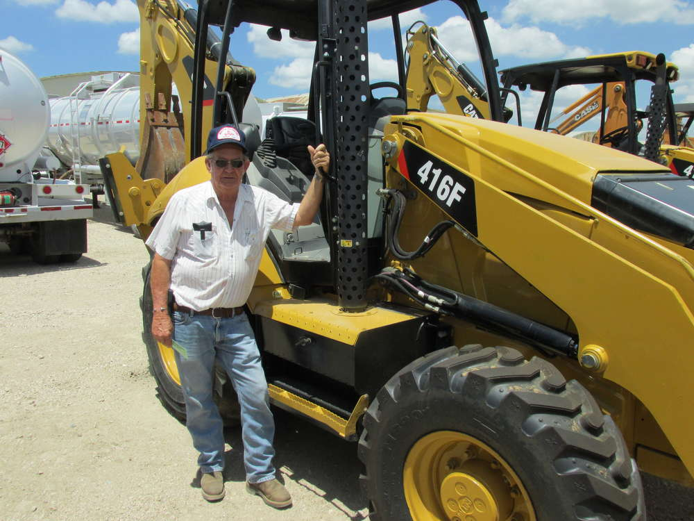 Bob Whittle, Whittle Excavation Inc. of Saginaw, Texas, has just finished going over this Cat 416F loader/backhoe with a fine tooth comb.