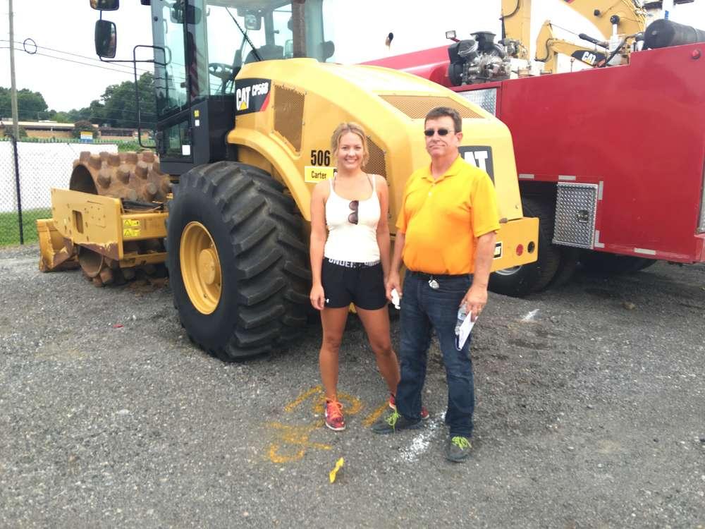 Jessica Spenser of Motleys Industrial talks with David Walker of Walker Works Contracting in Richmond, Va.