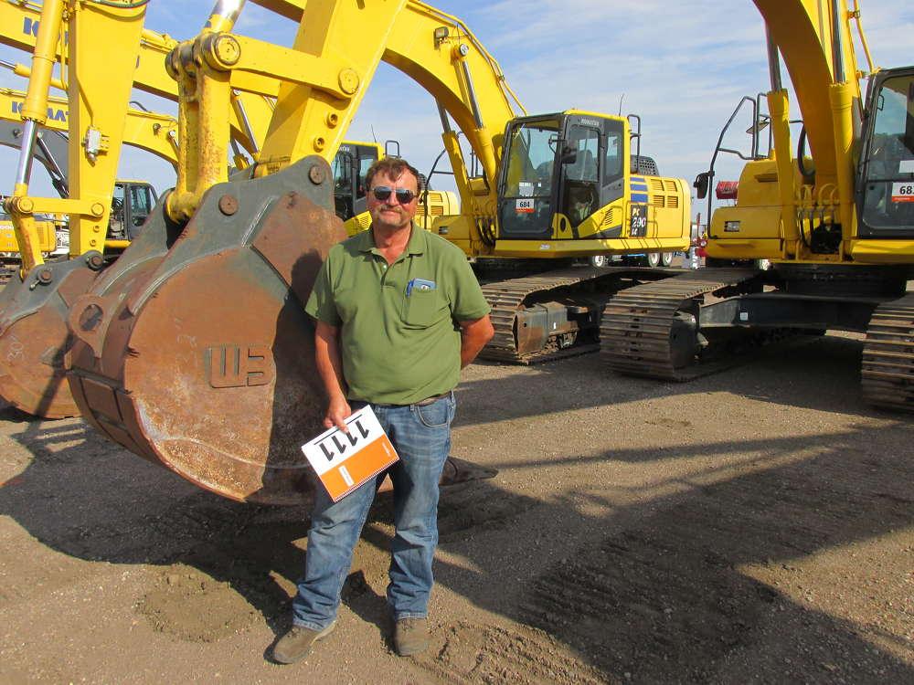 Vince Kasperbauer, Dunrite Excavation in Berthoud, Colo., took a good look at this Komatsu PC 290 excavator before bidding.
