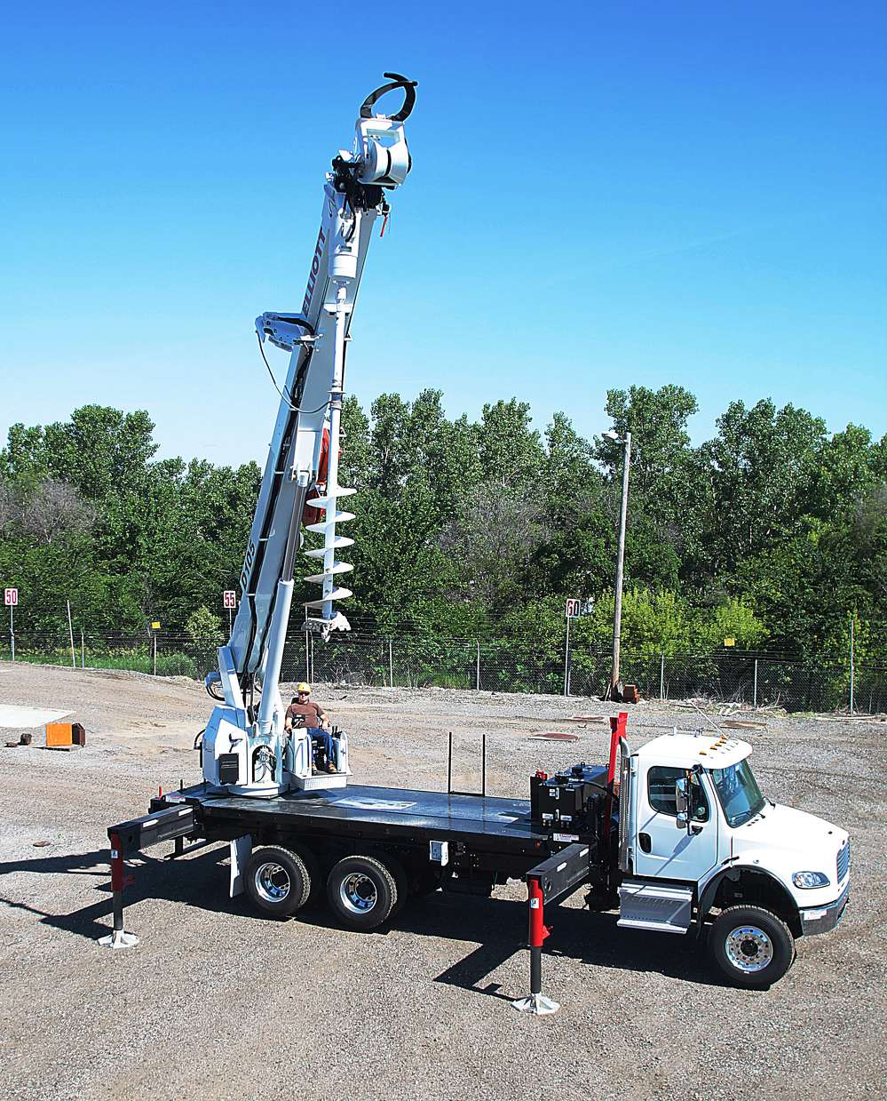 Elliott Equipment Company is introducing the D105, a new ANSI 10.31 digger derrick.