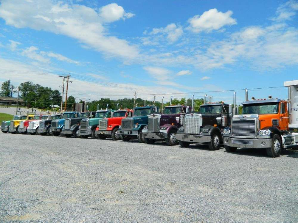 The one-owner sale featured approximately 100 heavy haul road tractors and dump trailers.