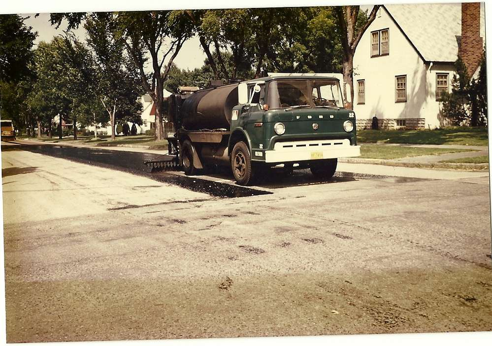 An older Bituminous Roadways Inc. tack truck.