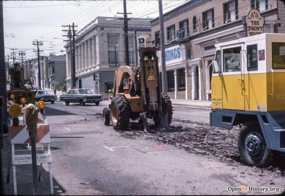 9th Ave near Judah Jun 1975 Muni metro construction. Courtesy of OpenSFHistory.org.
