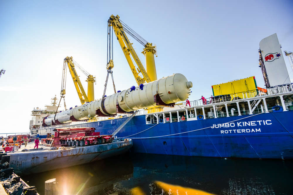 Recently, Mammoet successfully coordinated the arrival and off load of Sasol's two largest vessels, the wash tower and reactor, scheduled for the Ethane Cracker and Derivatives project in Louisiana.