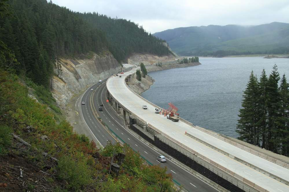 Traffic across Snoqualmie Pass shifts onto a new avalanche bridge.