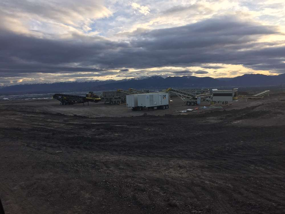 A project to construct new lanes and bridges along a 2-mi. (3.2 km) northern stretch of Utah's Mountain View Corridor is under way.