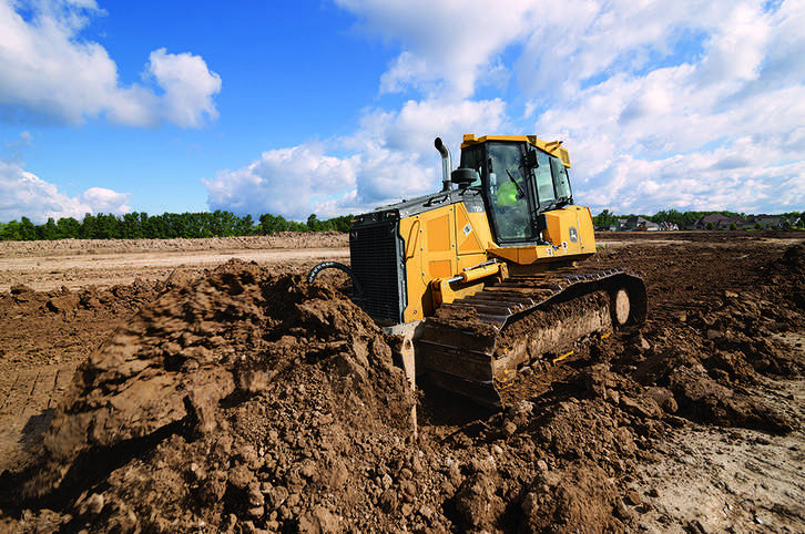 The John Deere 750K and 850K SmartGrade Crawler Dozers are equipped with a 6.8L FT4-certified engine and fully integrated grade control system.