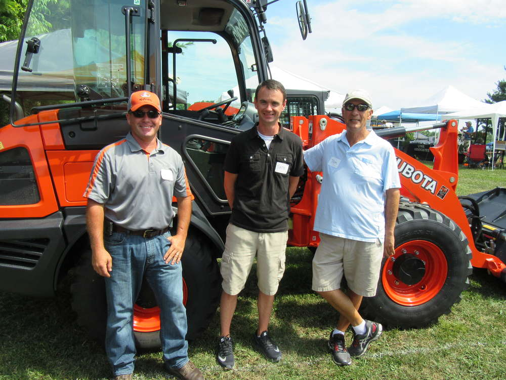 (L-R): Steve Schultz of Mentor MFG catches up with Nate Hicks and Tom Varcak of Cottage Gardens.