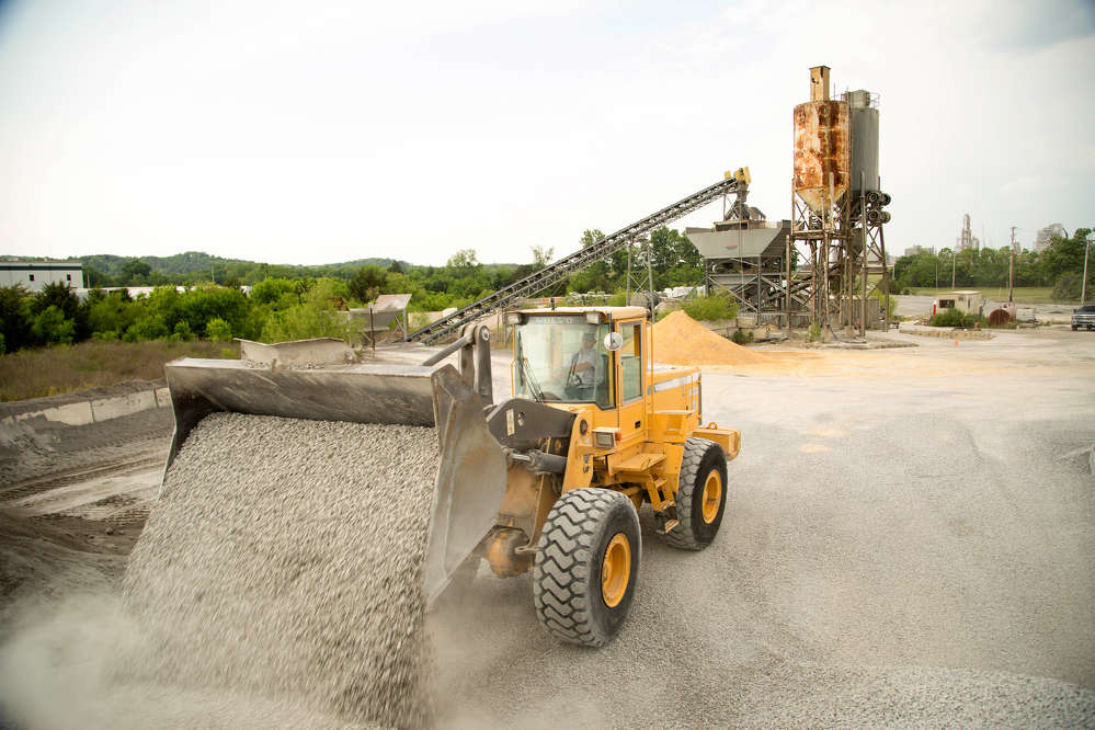 The used Volvo L120D wheel loader was purchased in 1999 and is still in operation.