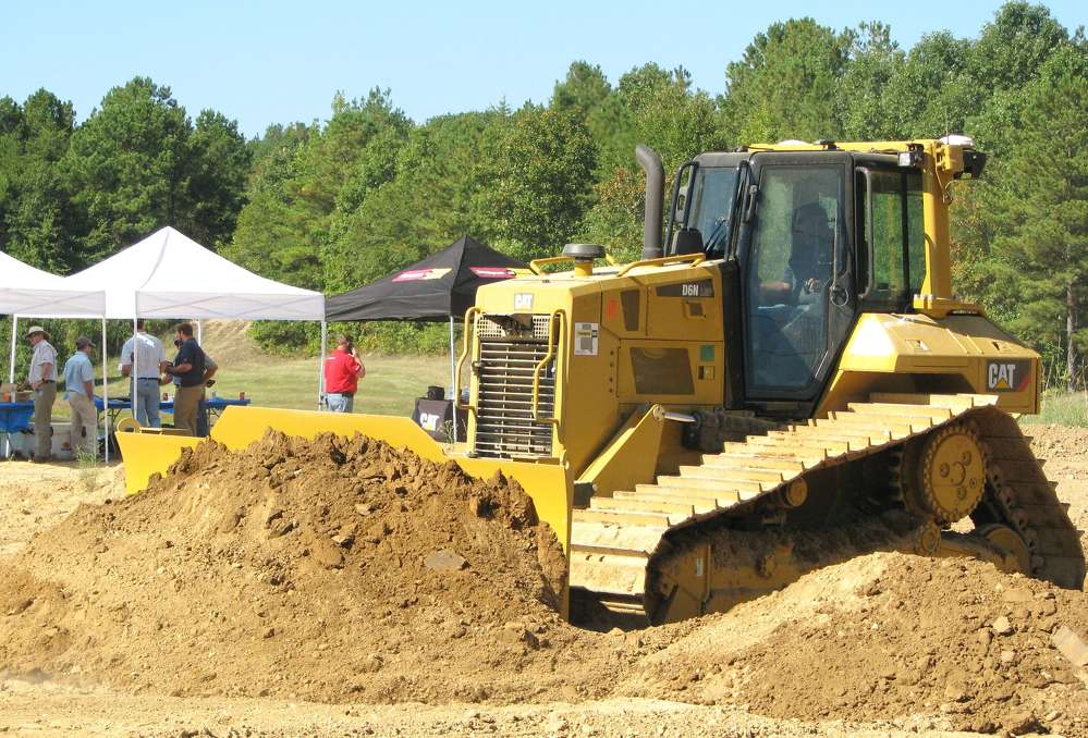 Travis Wilker, Sitech South, demos the new Cat D6N dozer.