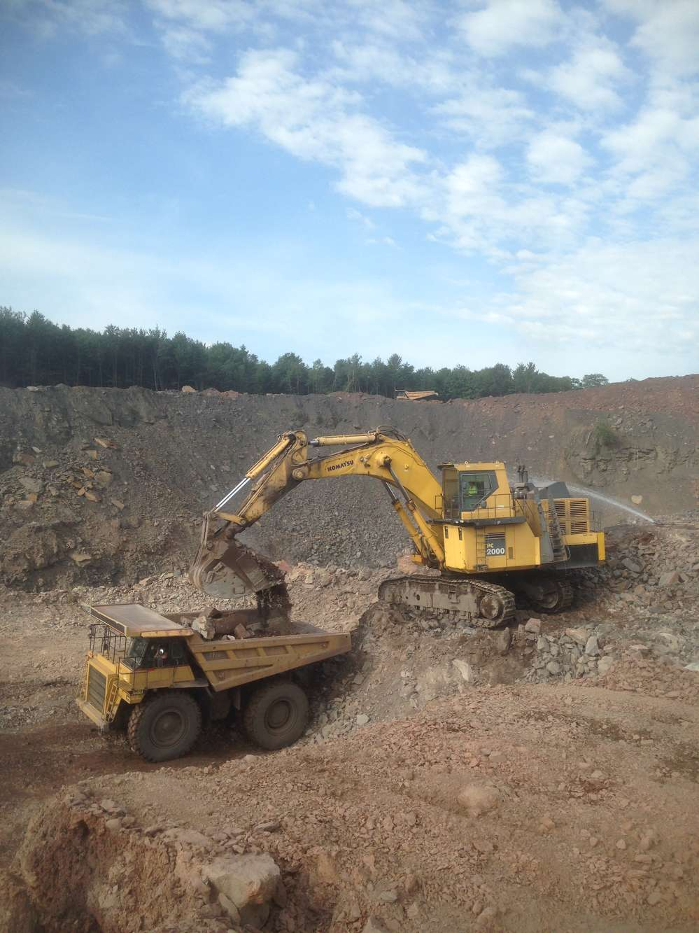 Earthmovers Unlimited Inc. photo. Earthmovers currently has about $26 million of earthmoving projects in Pennsylvania, Maryland and West Virginia.