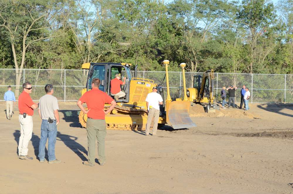During the event, contractors from Nassau and Suffolk counties on the Island, as well as from New York City, were treated to demonstrations of SITECH technology on Caterpillar D5K2 XL, 323F 2, 279D and Caterpillar mini-excavator models.
