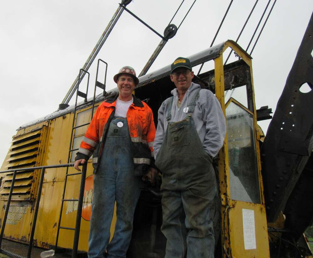 John Egnatz (L) of Chicago-based International Union of Operating Engineers Local 150 and Brian Chestner of Donjon Shipbuilding & Repair hope for an opportunity to put this 1942 Manitowoc 3500 through its paces.