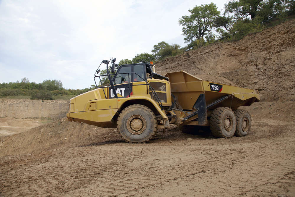 The Cat C2 Series articulated dump truck range includes the 314 hp (234 kW) 725C2 and the 367-hp (274 kW) 730C2 and 730C2 EJ with ejector-type body. Rated payloads are 26.5 tons (24 t) for the 725C2 and 31 tons (28 t) for the two larger models.