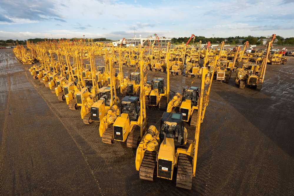 As the pipeline construction event of the year, with more than 175 crawler pipelayers and other equipment up for sale, bidders turned out in huge numbers on site and online from around the world.