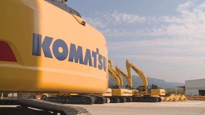 Komatsu America purchased the locations from Arizona-based Road Machinery, LLC.