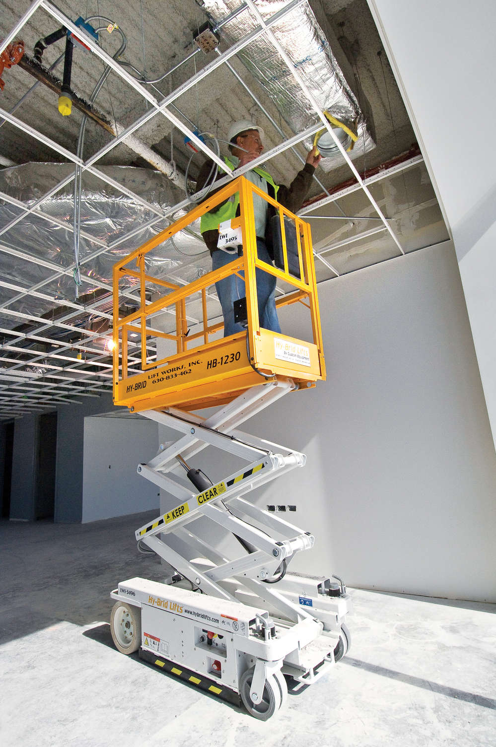 Platform stability is key to enhancing worker safety for work-at-height projects. Some lifts have especially sturdy platforms due their robust scissor stacks and oversized pins.