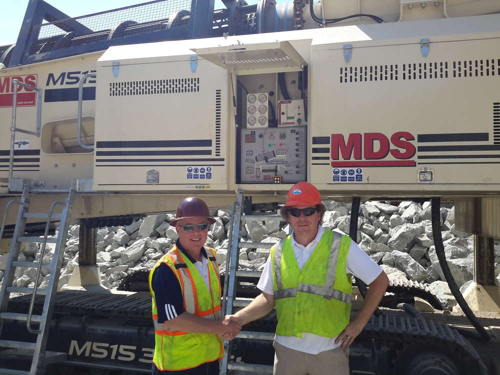 Andrew Coney (L), president of Powerscreen Mid-Atlantic, and Liam Murray, owner of MDS International, established a dealer agreement this past April.