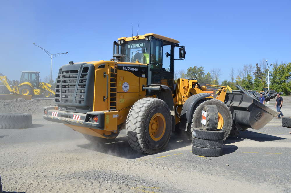 The Loader Rodeo gave operators the opportunity to put Hyundai, Kawasaki-KCM and Liebherr loaders through their paces.