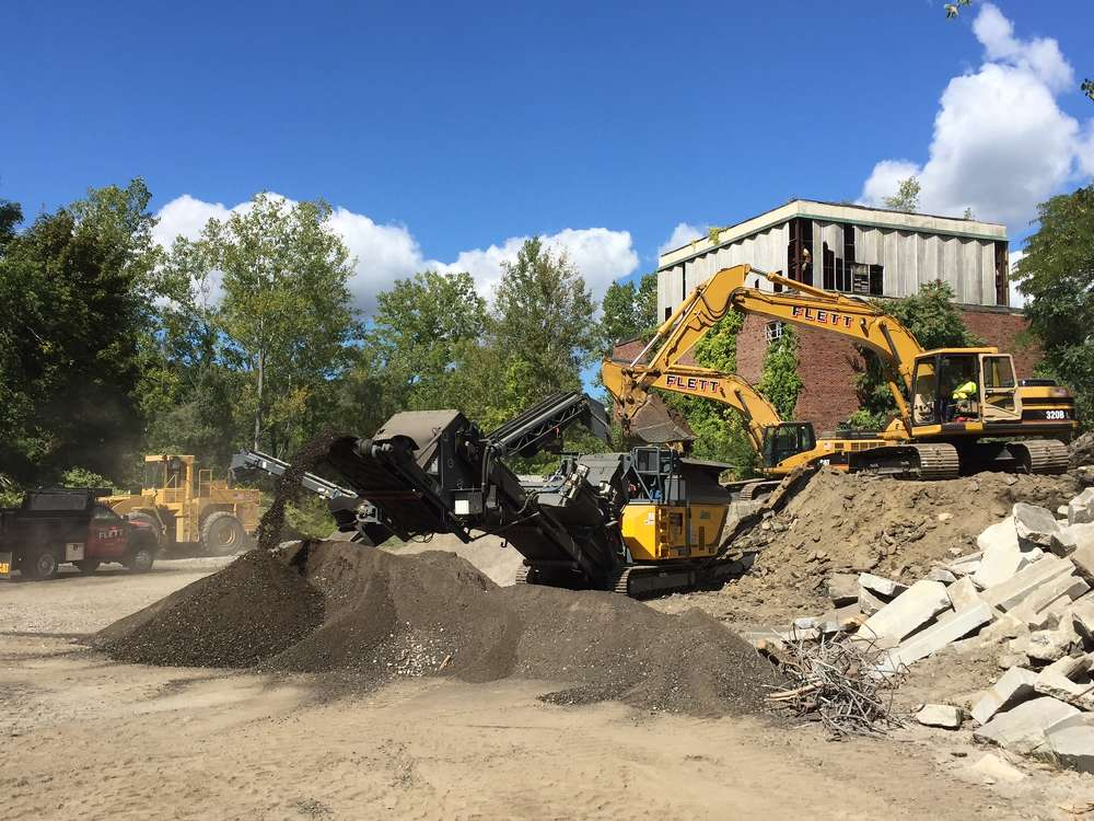 Rubble Master and Ambrose Equipment Co. partnered to host a two-day, live demo on Sept. 16 and 17 in Belmont, Mass.