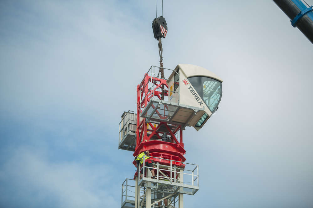 The subcontractor in charge, Lörrach-based Meier-Krantechnik, ordered a Terex CTT 162-8 tower crane, the successor to the CTT 161.