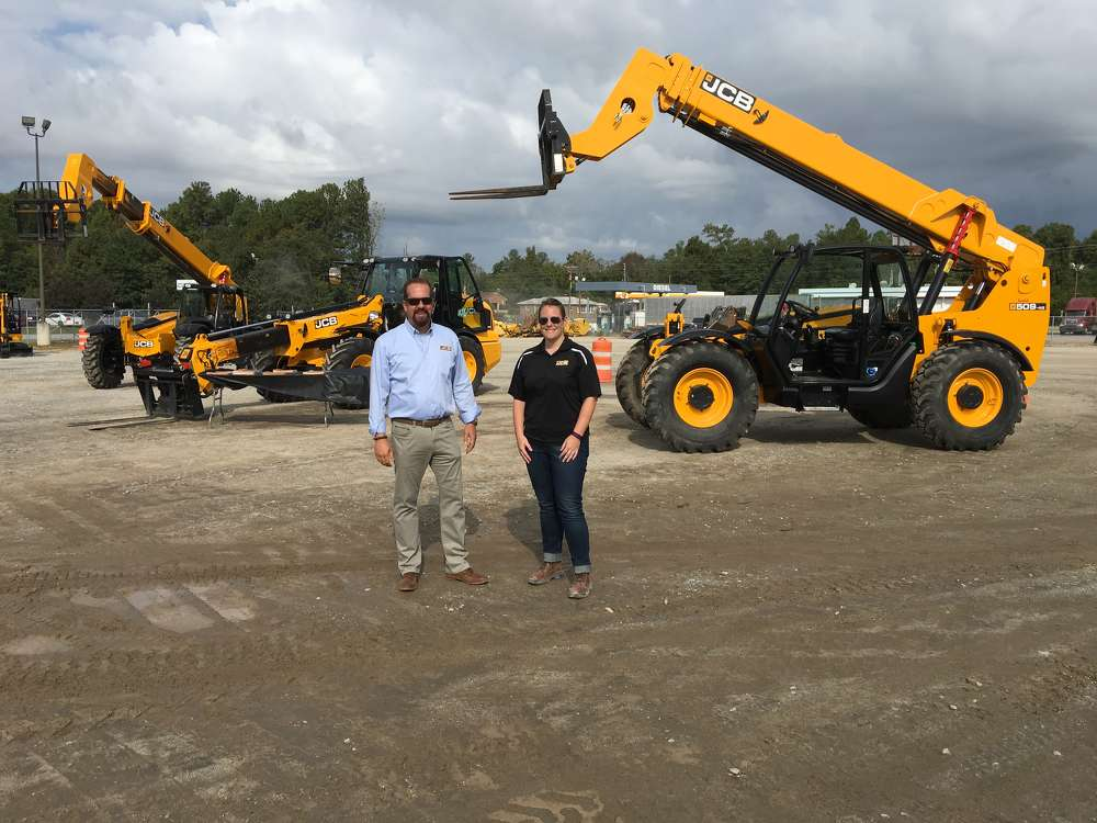 Steve Gorsuch and Rebecca Yates, both of JCB, answer questions about JCB telehandlers.