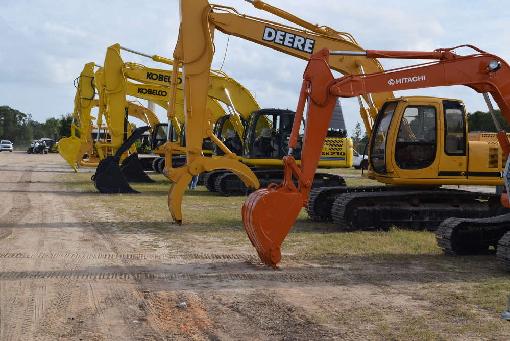The Alex Lyon & Son auction in Kissimmee, Fla., featured a variety of equipment, including a line of excavators.