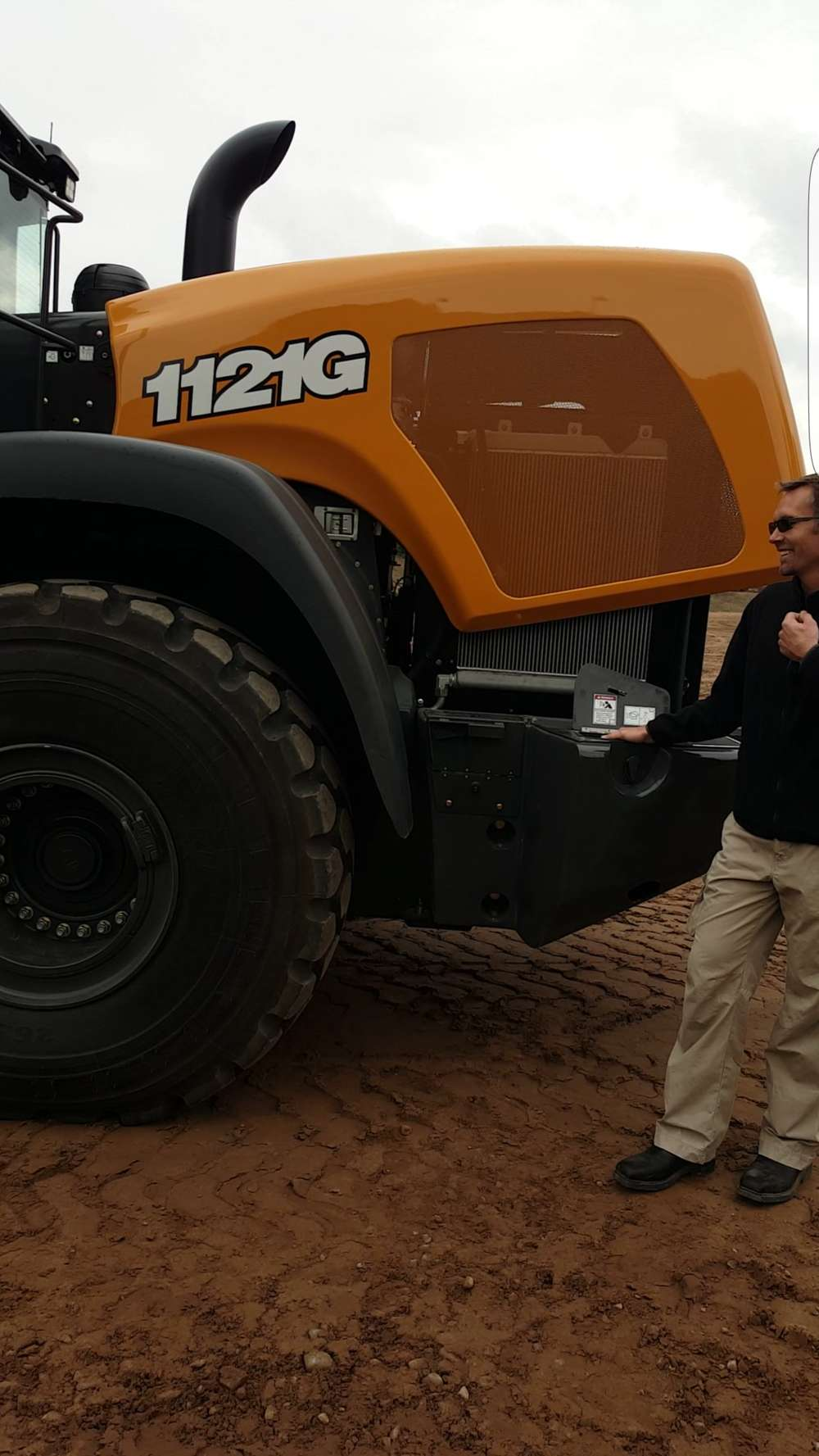 Andrew Dargatz, brand marketing manager, wheel loaders, Case Construction Equipment, goes over the features of the Case 1121G wheel loader.