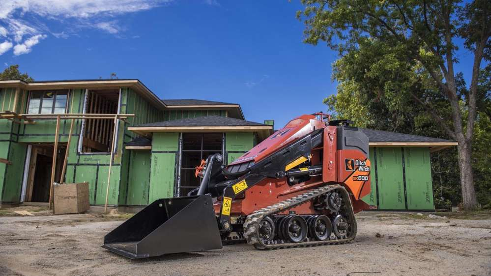 The SK600 incorporates the Ditch Witch construction-grade design for exceptional durability,