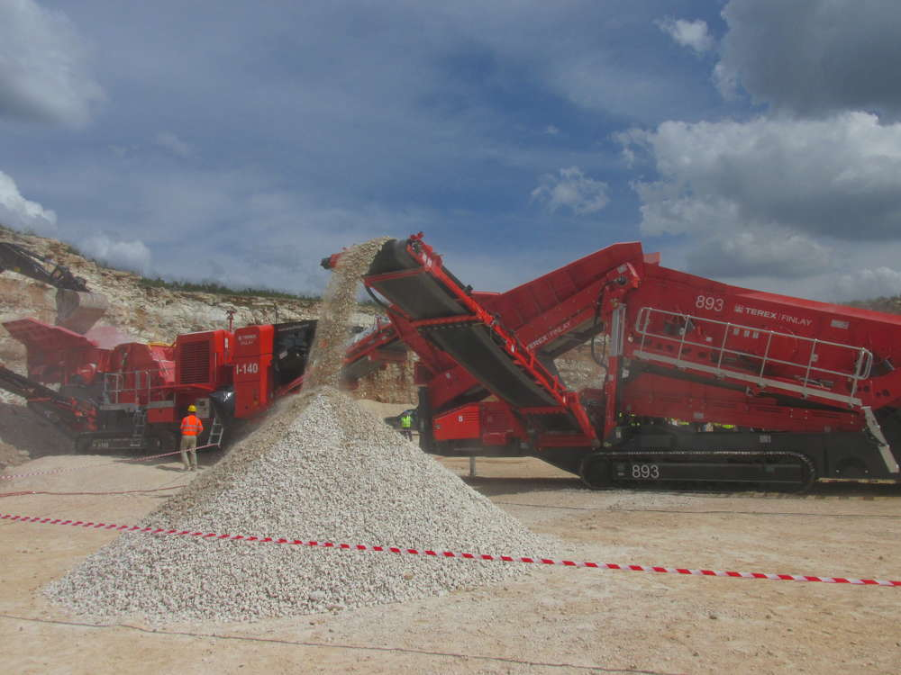 The event and product demonstration were hosted by Martin Marietta at Rio Medina Quarry, just outside San Antonio.