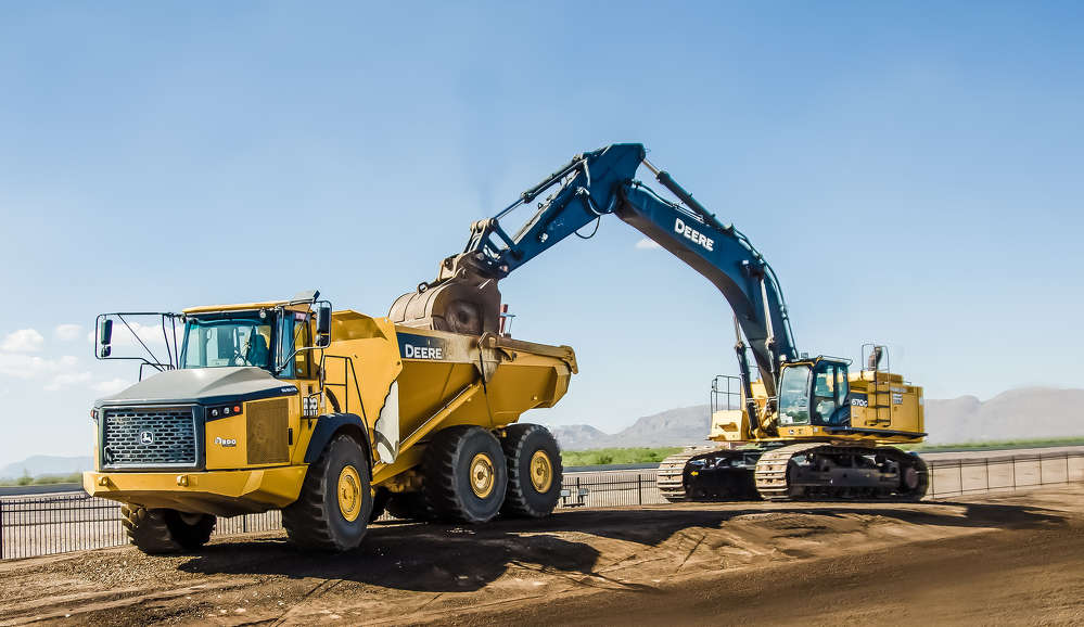 The team showed off numerous John Deere machines, including the 670G LC excavator.