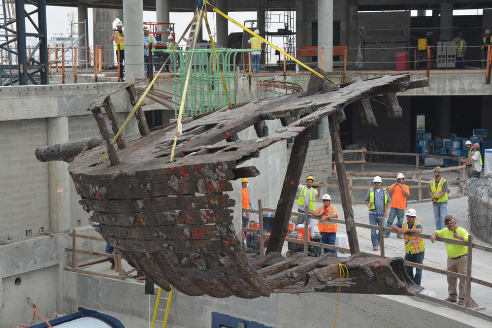 Another unique feature of the shark exhibit is a fabricated shipwreck, which was constructed by Cemrock Landscapes Inc.