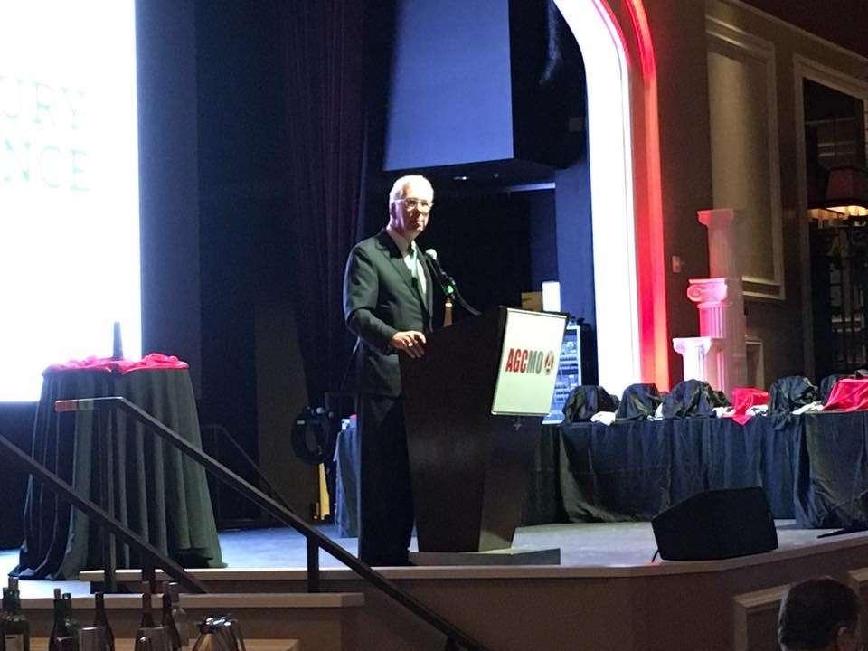 Leonard Toenjes, CAE, president of The Associated General Contractors (AGC) of Missouri, addresses attendees.
