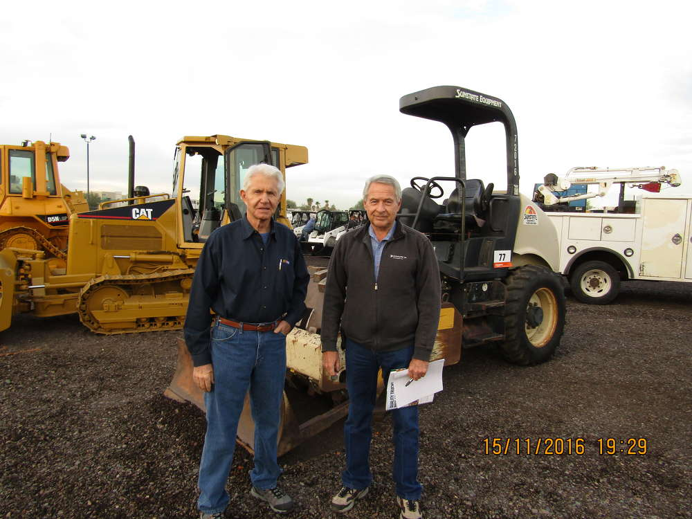 Ed Shelton (L) and Russ Stratton of Arrow Machinery in Phoenix, Ariz., are always looking for bargains to buy and sell.
