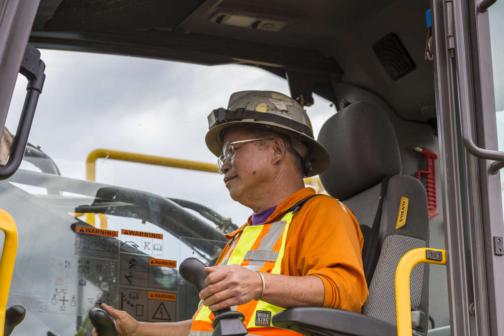 Quang Nguyen has more than 35 years of excavator and tracked shear operating experience, and has served as an advisor to multiple manufacturers regarding their equipment.