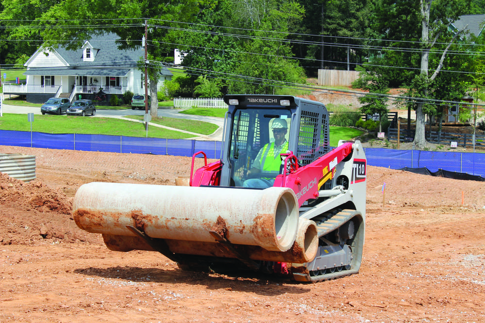 Extreme conditions — whether it's exceptionally demanding terrain, or extremely high or low temperatures — can present additional challenges for the day-to-day operation of a compact track loader (CTL).