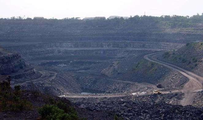 Coal mine in Dhanbad, India.  (Treehugger photo)