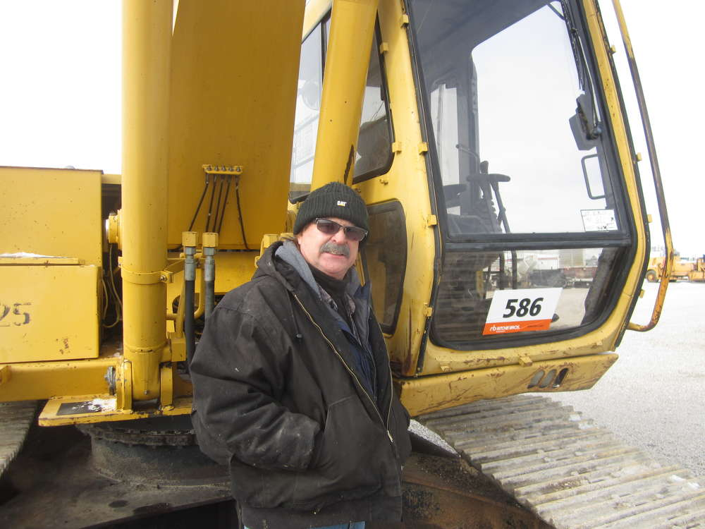 Mike Rosari takes a look at the cab of this John Deere 690E excavator.