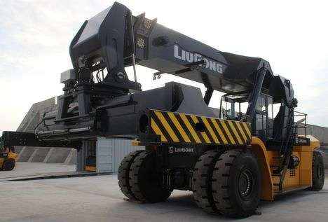 The CLG2450 reach stacker by Liugong.
