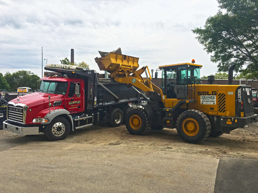 Kilmoyley Construction depends on SDLG wheel loaders to provide a host of crucial services to the city of Lowell, Mass., and its university, UMass Lowell.