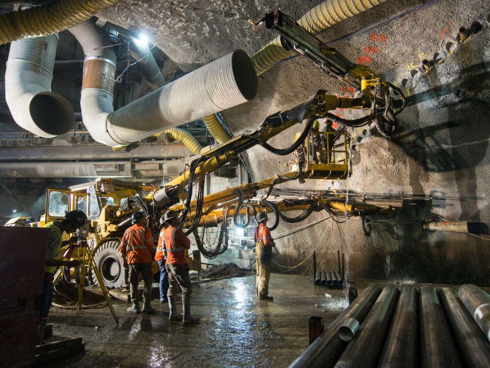 The drill rig (stationed at the cross-cut cavern entrance under Chinatown) has multiple arms. http://url.ie/11no6