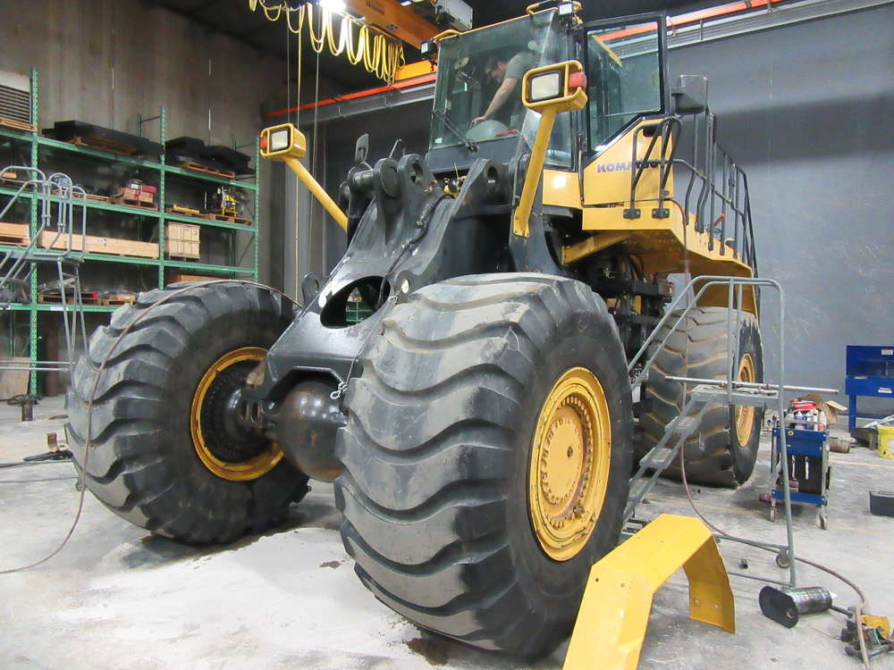 This Komatsu WA600-6 wheel loader is in the process of a complete teardown.