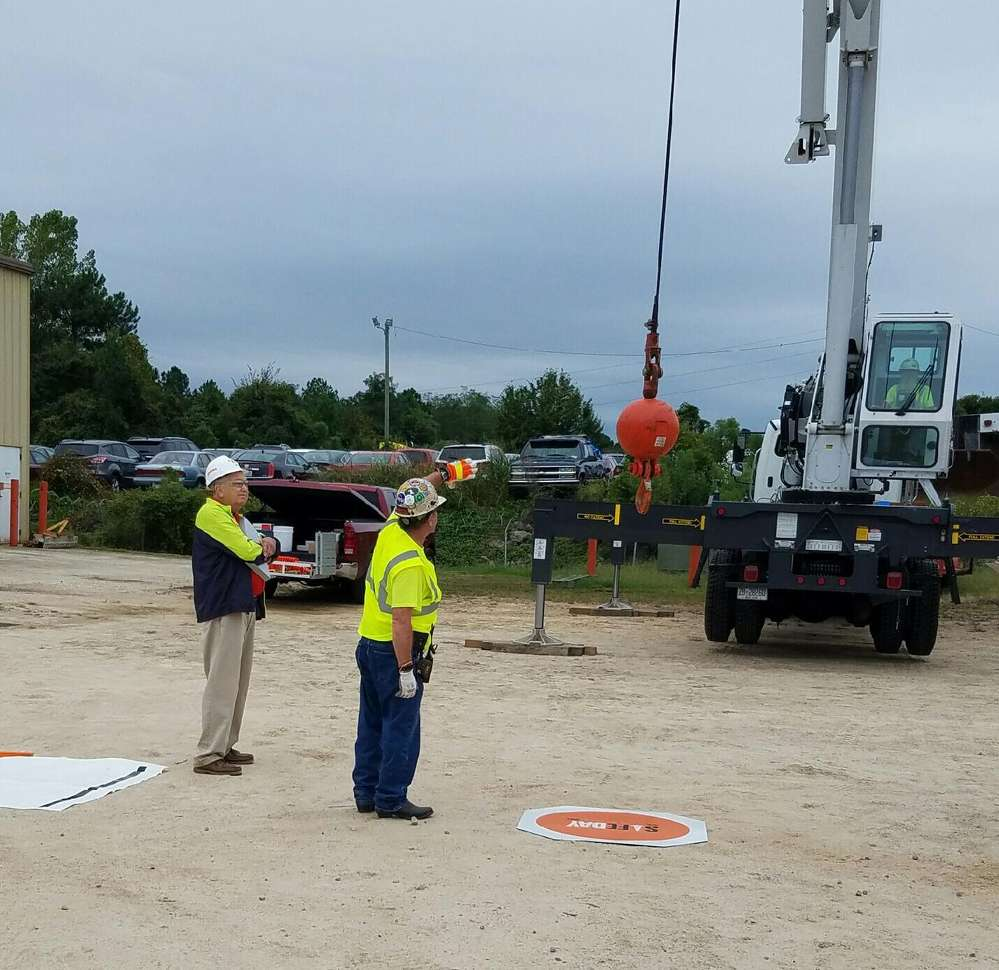 Signal crane operator.