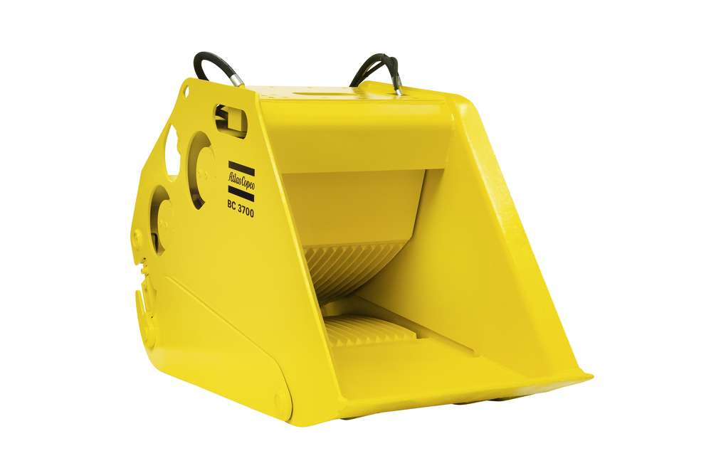 Atlas Copco bucket crusher.
