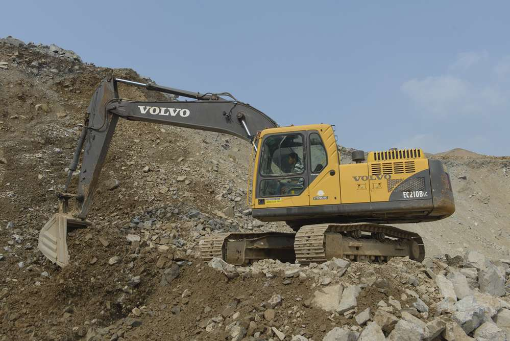 Li Yu Shan Mining keeps its durable Volvo B-Series excavators in good health due to routine maintenance, courtesy of Volvo Construction Equipment.