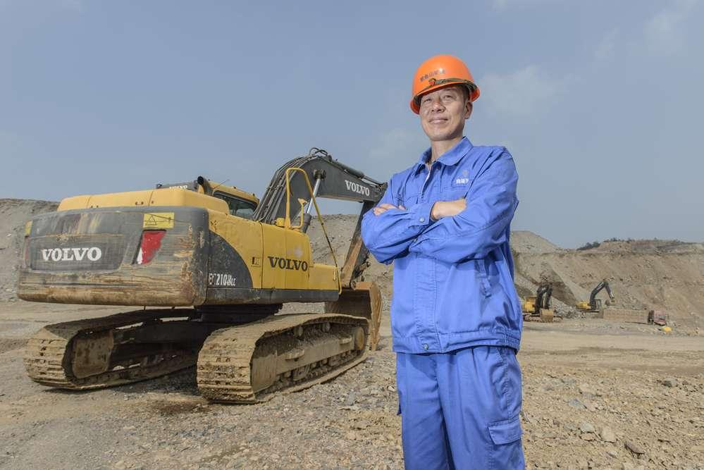 Quarry operations manager, Yuan Jian Zhong.