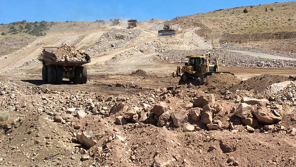 Last fall, crews reached approximately 50 percent completion of the major earthwork for the project, with more than 1.3 million cu. yds. (993,921 cu m) of earth already moved to make way for the future freeway.